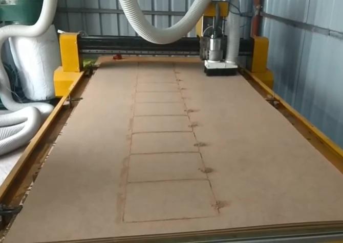 máy cnc cắt bảng gỗ ván ép 2