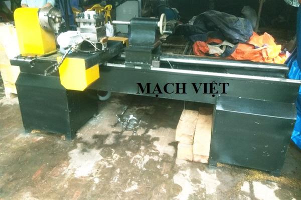 máy tiện gỗ cnc 3